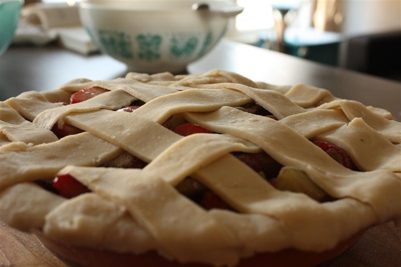 Strawberry & Rhubarb Pie